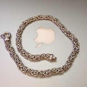 Special chain in solid 925 silver made in Italy.